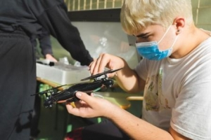 Talleres introductorios a los drones. Navidades cientificas 2020_40